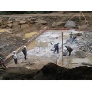 Canal de adução barragem
